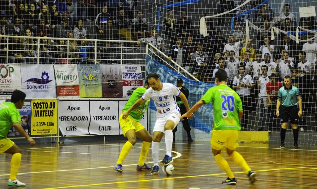 Visitantes marcaram bem e foram efetivos nos contra-ataques. Foto: Assessoria Cerro Largo Futsal/Lojas Becker